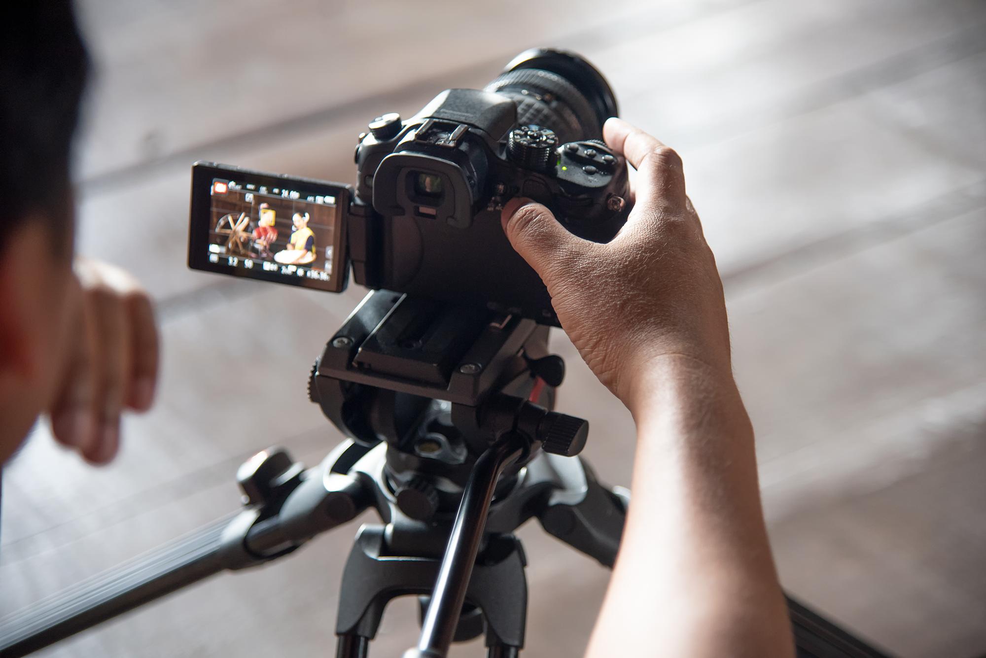 video content camera man